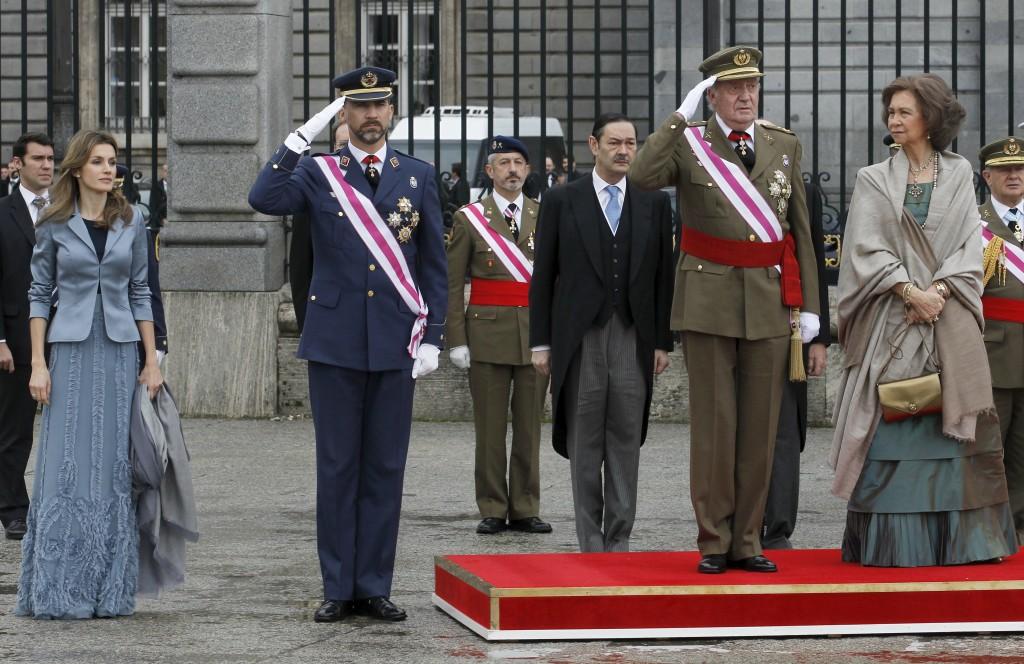 Los reyes de España y los príncipes de Asturias en el Palacio Real, en Madrid.