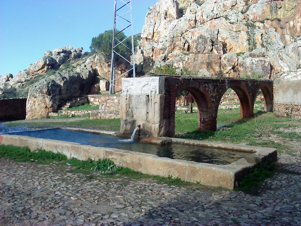"""Foto: fuente que llaman """"Del Desbautizadero"""", donde se lavaban después del fingido bautizo."""