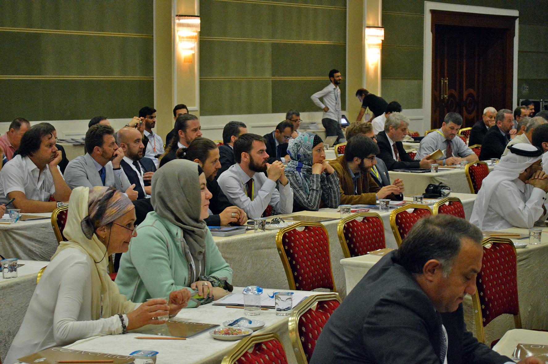 Delegaciones de los diferentes países en una de las conferencias.