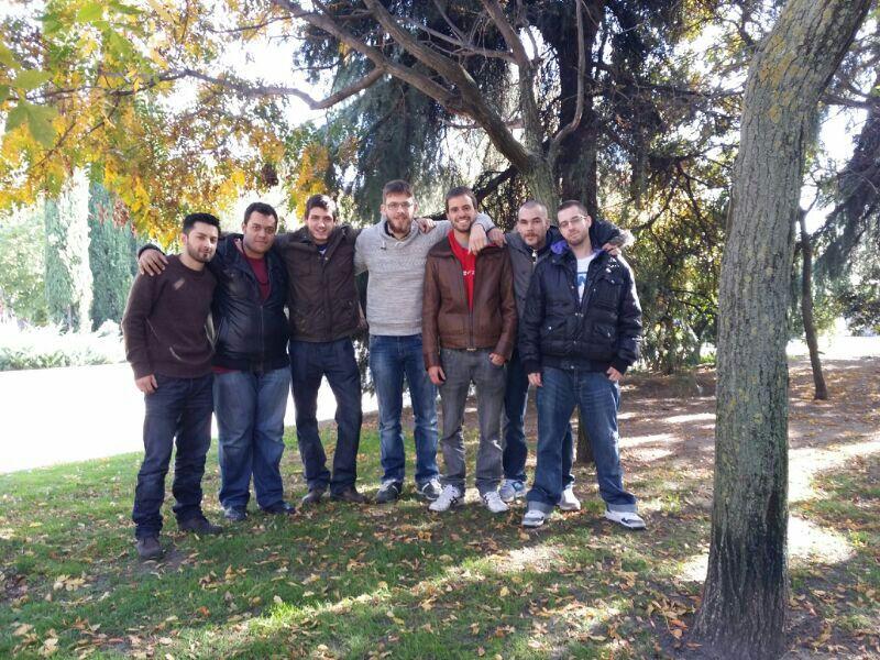 Foto de grupo de los jóvenes del barrio de Prosperidad, Madrid