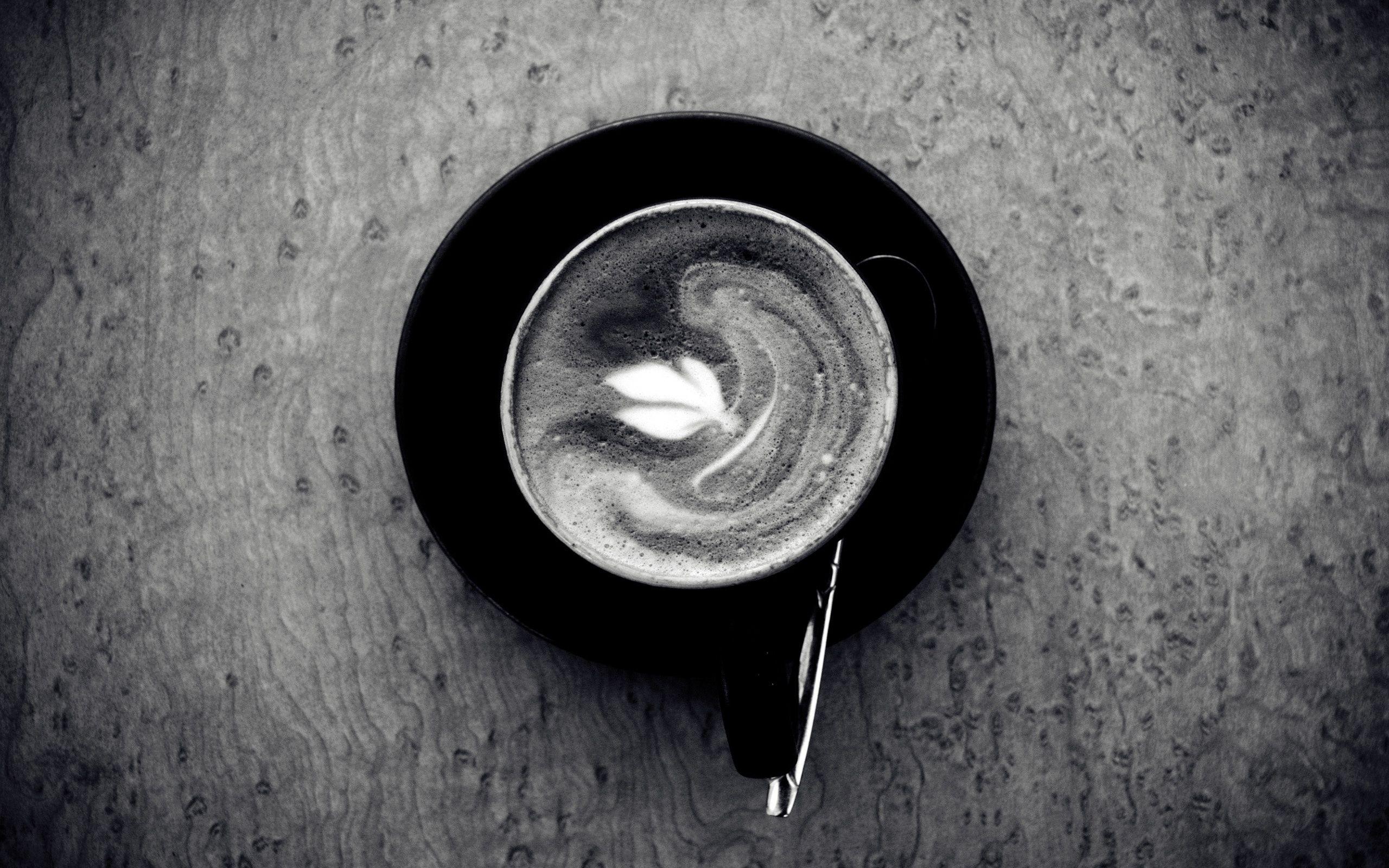 El café sigue dando vueltas