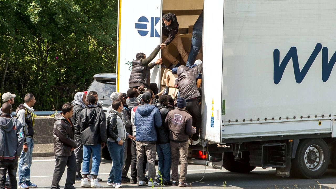 Gran aumento de inmigrantes intentando cruzar el eurotunel en el canal de la Mancha