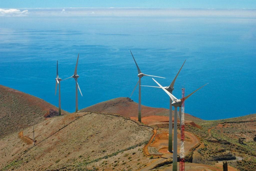 El Hierro consigue abastecerse al 100% con energías renovables